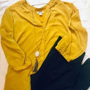 Old Navy Mustard 3/4 Sleeve Blouse